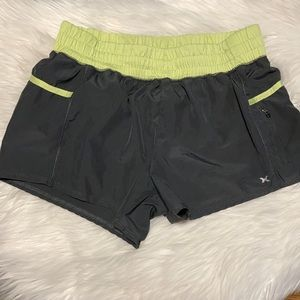 Xersion Semi-Fitted Athletic Shorts With Liner and Zipper Pocket